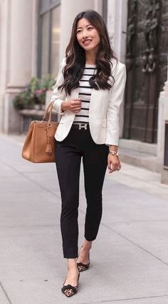 Workwear classic black ankle pants plus leopard flats Classic Work Outfits, Summer Work Outfits, Business Casual Outfits, Casual Summer Outfits, Classy Outfits, Stylish Outfits, White Blazer Outfits, Komplette Outfits, Office Outfits