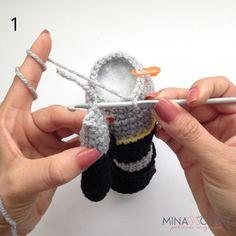 Batman Amigurumi – Minasscraft Patrones Amigurumis Crochet Baby Toys, Crochet Art, Half Double Crochet, Single Crochet, Batman Crochet, Batman Amigurumi, Crochet Dolls Free Patterns, Crochet Basics, Sewing Basics