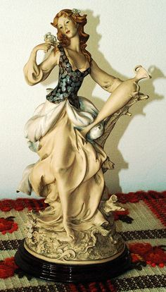 Giuseppe Armani Figurine. Title Lady with Amphora.