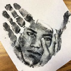 -Russell Powell-  *Artist uses his hand as a buffer to create stunning portraits