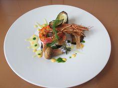 JHS /  Gino D'Aquino Petit rougets et crevettes grillées et sauce liquide légumes à la roquette et l'œuf Gino D'Aquino