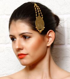The brand Paisley Pop represents traditional art form of paisleys with its inherent Indian and European blend. The brand's initiative is to bring forward contemporary beauty associated with this art form. Diwali Sale, Jewellery Box, Traditional Art, Filigree, Paisley, Fashion Accessories, Jewelry Design, Bangles, Bling