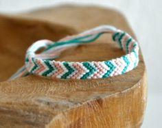 Woven friendship bracelet / anklet chevron arrow p+ Thread Bracelets, Embroidery Bracelets, Woven Bracelets, String Bracelets, Anklet Designs, Bracelet Designs, Anklet Bracelet, Anklets, Arrow Bracelet