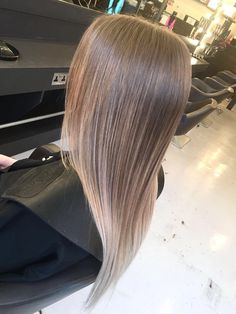 Blonde Balayage On Straight Sleek Hair London Hairdresser For More Hairstyles And Our List