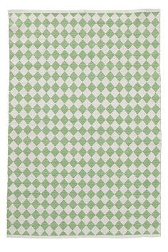 En vacker och lättplacerad vävd matta i bomull. Garnfärgat rombmönster med melerad effekt. Tvätt 40°.<br> <br><br>100% bomull<br>Tvätt 40°