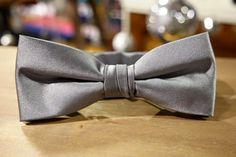 Bow Ties voor de feestdagen vanaf vandaag verkrijgbaar. Webshop: shop.brothersjean... #selected #bow #ties #party #gentle #man