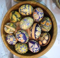 Ukrainian Easter Eggs, Easter Traditions, Types Of Craft, Egg Art, Egg Decorating, Craft Activities, Happy Easter, Arts And Crafts, Holidays