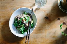 Red rice noodle salad with avocado, broccoli + soy ginger dressing – My Darling Lemon Thyme