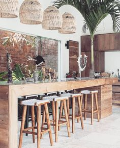 Kitchen bar, elegant and stylish. You can feel the experience C. - Kitchen bar, elegant and stylish. You can feel the experience Canggu, Bali. Bali Fashion, Home Fashion, Style At Home, Bali Stil, Cafe Design, House Design, Kitchen Island Furniture, Bali Style Home, Balinese Interior