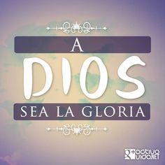 1 Crónicas 29:11-12 Tuya es, oh Jehová, la magnificencia y el poder, la gloria, la victoria y el honor; porque todas las cosas que están en los cielos y en la tierra son tuyas. Tuyo, oh Jehová, es el reino, y tú eres excelso sobre todos. Las riquezas y la gloria proceden de ti, y tú dominas sobre todo; en tu mano está la fuerza y el poder, y en tu mano el hacer grande y el dar poder a todos. ♔