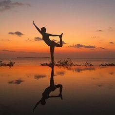 You live only once. Every beat and every second breathe in every moment. #yoga #wakatobidiveresorts #sunset #kakabantriptowakatobi #kakabantrip #infinitypool #sunset by kakabantrip