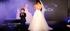 Agacri 'desfila' na Exponoivos - ShoppingSpirit News Girls Dresses, Flower Girl Dresses, Couture, News, Wedding Dresses, Fashion, How To Dress Cool, Outfits, Dresses Of Girls