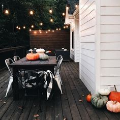 neutral fall decor inspiration – - All About Balcony Hallowen Ideas, Seasonal Decor, Holiday Decor, Autumn Aesthetic, Patio Table, Interior Exterior, Autumn Home, Fall Winter, Autumn Inspiration