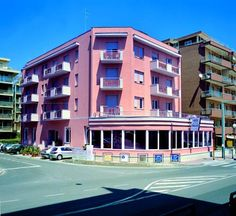 Hotel Corallo Pietra Ligure Just a short walk from the beach of Pietra Ligure, Hotel Corallo features a private beach area. Guests can enjoy their meals at the on-site restaurant. With a balcony, the air-conditioned rooms all come with a flat-screen TV.