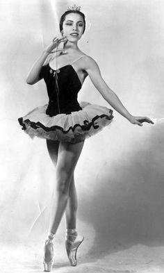 Maria Tallchief | Maria Tallchief, pointe perfection. January 1961.