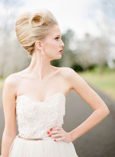 1950s Bridal Style | Jodi McDonald Photography | http://burnettsboards.com/2013/11/celebration-bridal-fashion-decades/