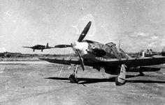 A Macchi MC 202 Folgore and the Fund S.M.82 Marsupiale transport.