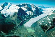 Athabasca Glacier and the Columbia Icefield - Jasper National Park (UNESCO WHS site: Canadian Rocky Mountain Parks) RESERVED FOR LOTTERY