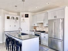 Kitchen Board, Kitchen Island, Townhouse, Home Decor, Island Kitchen, Decoration Home, Terraced House, Room Decor, Home Interior Design