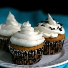 Vanilla cupcakes for two