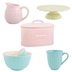 ¡Novedad! Nueva línea de menaje en colores lisos: Paneras, moldes, tazas, platos, cucharas...¡Una preciosidad! Corred a verlos  http://tienda.marialunarillos.com/295-menaje-colores-lisos