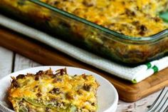 20 Easy Keto Dinner Recipes For Your Low Carb Diet These easy ketogenic dinner recipes are the best and great for weight loss! You are going love these yummy low carb keto dinner recipes, you'll feel so full and satisfied all while losing weight! Ground Beef Recipes For Dinner, Low Carb Dinner Recipes, Keto Dinner, Cooking Recipes, Healthy Recipes, Dinner Menu, Easy Recipes, Dinner Ideas, Keto Foods
