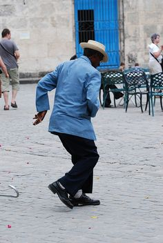 This old Cuban man still has the moves!