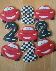 Disney Cars Movie, Disney Cars Party, Disney Cars Birthday, Race Car Birthday, Race Car Party, 2nd Birthday, Boys 1st Birthday Party Ideas, Cars Birthday Parties, Gateau Flash Mcqueen