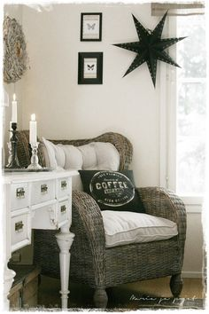 A lovely seating arrangement in the grooms dressing area. Nook, Coffee Chairs, Cozy Corner, White Rooms, Farmhouse Chic, Home Decor Furniture, Cottage Style, Country Decor, Decoration