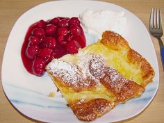 Oven pancakes from Finland - recipes Gluton Free Desserts, Köstliche Desserts, Low Carb Desserts, Delicious Desserts, Yummy Food, Oven Baked Pancakes, Food And Thought, Work Meals, Different Recipes