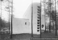 Kalmthout, Berkendreef, woning De Reiger, E. De Bock (1934).  photo credit: Architectuurarchief Provincie Antwerpen, found on the website: http://www.debalansvanbraem.be