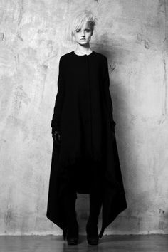 Goth K, so as long as it's black, it's goth? Style Noir, Mode Style, Style Me, Black Style, Dark Fashion, Gothic Fashion, Outfit Instagram, Fashion Moda, Womens Fashion