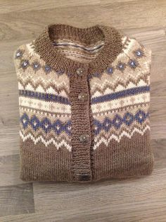 Min lille (hobby) verden...: Nordkapp kofta Knitting Projects, Knitting Patterns, Men Sweater, Sweaters, Cardigans, Skirts, Dresses, Google, Fashion