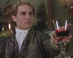 - Tom Cruise as Lestat De Lioncourt in Interwiew With The Vampire - TheAnonymousGirll Vampire Dracula, Vampire Queen, Vampire Art, Tom Cruise, Anne Rice Vampire Chronicles, Lestat And Louis, Queen Of The Damned, Mayfair, Interview With The Vampire