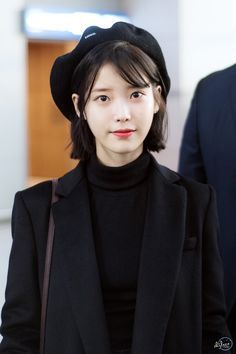 12 Women and Men Idols that Look Impressive with Both Short and Long Hair … - Hair Style Iu Short Hair, Short Hair Korea, Asian Short Hair, Korean Girl, Asian Girl, Kpop Hair, Idole, Beautiful Asian Women, Korean Actresses