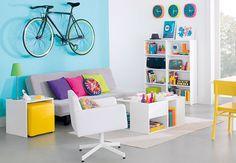 Tok Estar  Ouse no contraste de cores vibrantes para criar uma sala  de estar divertida e bem-humorada.