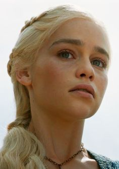 You are watching the movie Game of Thrones on Putlocker HD. Set on the fictional continents of Westeros and Essos, Game of Thrones has several plot lines and a large ensemble cast but centers on three primary story arcs. Emilia Clarke Daenerys Targaryen, Game Of Throne Daenerys, Daenerys Targaryen Makeup, Dany Targaryen, Game Of Thrones Facts, Game Of Thrones Tv, Game Of Thrones Funny, Game Of Thrones Characters, Game Of Thrones Wallpaper