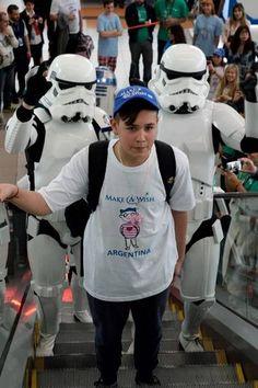 Los personajes de Star Wars, en Ezeiza (gentileza American Airlines).