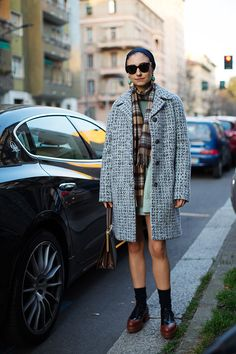 Milan Fashion Week Street Style Street style in Milan via The Sartorialist Milan Fashion Week Street Style, Milan Fashion Weeks, New York Fashion, Paris Fashion, Scott Schuman, The Sartorialist, Tweed Coat, Cozy Fashion, Style Me