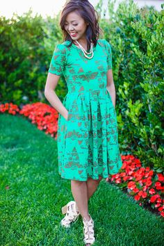 The Ameila Dress is one of my favorite LuLaRoe dresses because it has POCKETS!  Check out the amazing Ameila dresses I have in my shop right now! #lularoe #lularoeashleejudge #lularoeameila