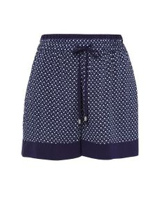 French connection aztec print shorts are a soft relaxed sporty style, great for easy wearing this summer. Pair with a loose fitting white tank and you are all set for a day in the sun. Fits true to size.
