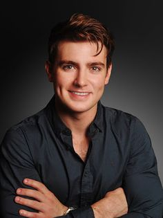 Alan Mercer's PROFILE: Emmet Cahill Sings About Human Stories