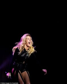 Singer Ellie Goulding performs onstage during day 1 of the 2016 Coachella Valley Music & Arts Festival Weekend 2 at the Empire Polo Club on April 2016 in Indio, California. Get premium, high resolution news photos at Getty Images Ellie Goulding Concert, Ellie Golding, Emma Bunton, Festival 2016, High Society, Blonde Beauty, Her Music, Actors & Actresses, My Girl
