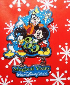 Disney Pin MICKEY 35th Anniversary Goofy Donald Tinker Bell Friends Dangle BB