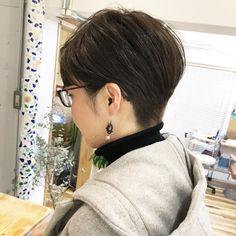 . スタイルが持続する、かりあげベリーショート . えりあしがすぐ気になる方はシルエットにあわせるとです . #ショートにピアス . #ベリーショート #ショートヘア #ショートカット#ヘアカタログ#髪型#かりあげ女子#福岡#天神#大名#福岡美容室#大名美容室#スタイルチェンジ#ヘアカタ#イメチェン#かりあげ#ばっさり#カット#大人ショートボブ#大人ヘア#かっこいい#大人ショート#大人ベリーショート#大人スタイル#アシスタント募集#かっこいい女性 . #yuto_style #coast_hair #coast_guests .