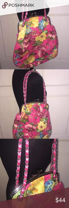 AMC Accessories sequined floral purse chain strap Trendy and modern, this chic sequined bag was purchased at Bloomingdale's.  It is the perfect bag for cheery spring and summer days and nights!  Perfect condition, smoke free home. AMC Accessories Bags Shoulder Bags