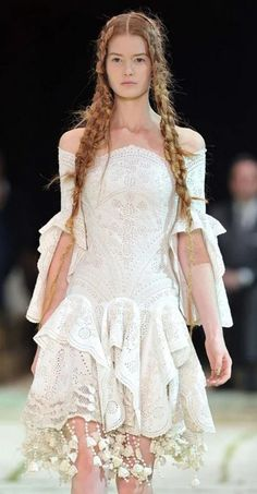 Would love to attend a Alexander McQueen fashion show. Runway Fashion, Fashion Show, Romantic Girl, Colorful Fashion, Alexander Mcqueen, Flower Girl Dresses, Ethereal, Wedding Dresses, Lace