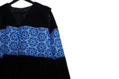 Abrigo KALOS Bell Sleeves, Bell Sleeve Top, Branding Design, Womens Fashion, Fashion Design, Tops, Women's Fashion, Corporate Design, Woman Fashion