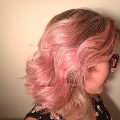 Mes de rosas #rosegold #haircolor #hairstyle #hairdresser #colombia #peluqueria #pelukeroart #keroestilista