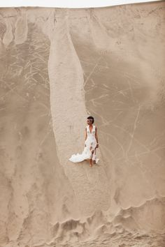 Fiji bride   Kama Catch Me Photography   see more on: http://burnettsboards.com/2015/04/sand-sea-fiji-bridal-session/